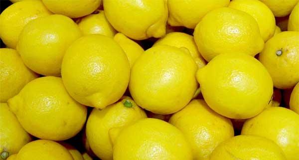 Soigner un aphte avec du citron